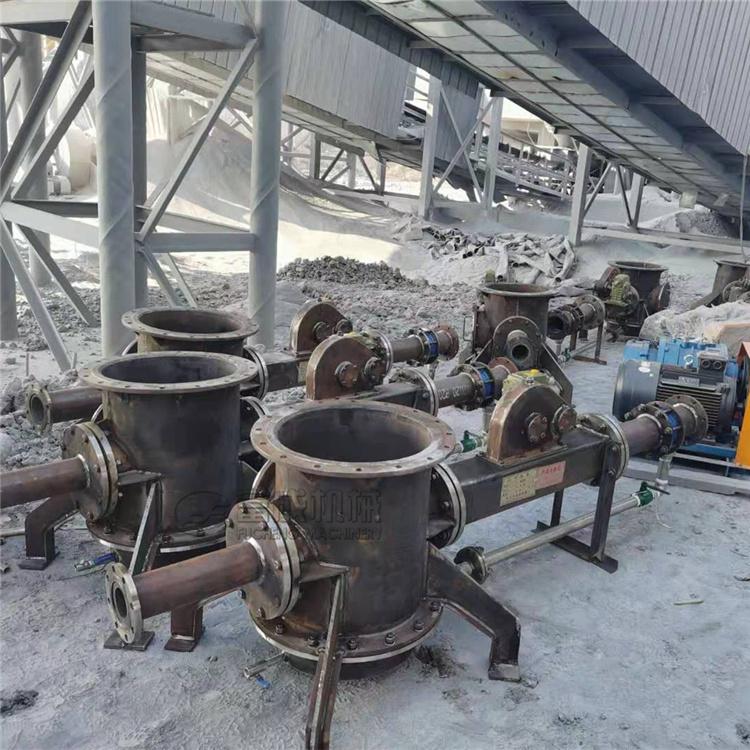 富成气力输送料封泵安装现场